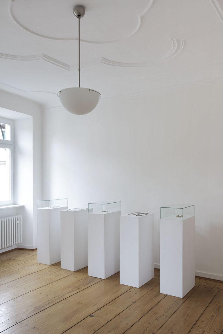 Galerie  im Kelterhaus, Rosemarie Jäger, Hochheim. Ernst Gamperl | Christa Lühtje  -  GEFÄSS | SCHMUCK - 03. 06. - 24. 06. 2012