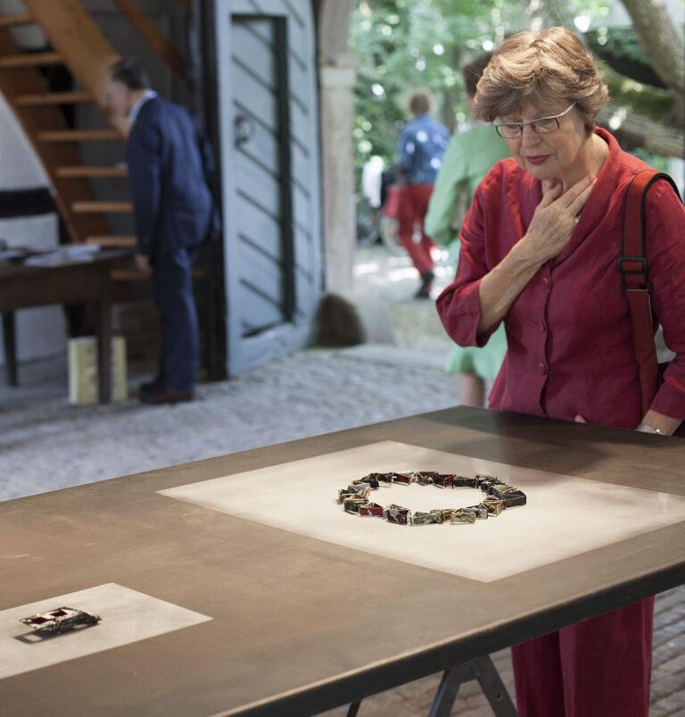 Galerie Rosemarie Jäger, Hochheim,22. 06. – 13. 07. 2014Oltre la materia - Jenseits der MaterieANNAMARIA ZANELLA · RENZO PASQUALEPaare im Schmuck