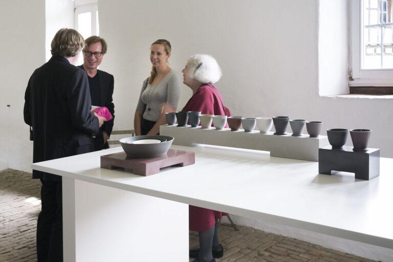 Galerie Rosemarie Jäger, Hochheim22. 05. - 12. 06. 2016JULIAN STAIR · SIMONE TEN HOMPELRe - naturing the vessel: the shared approach of  Julian Stair and Simone ten HompelKeramik · Metall